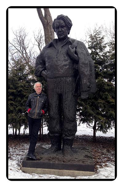 Jehan et la statue de Felix